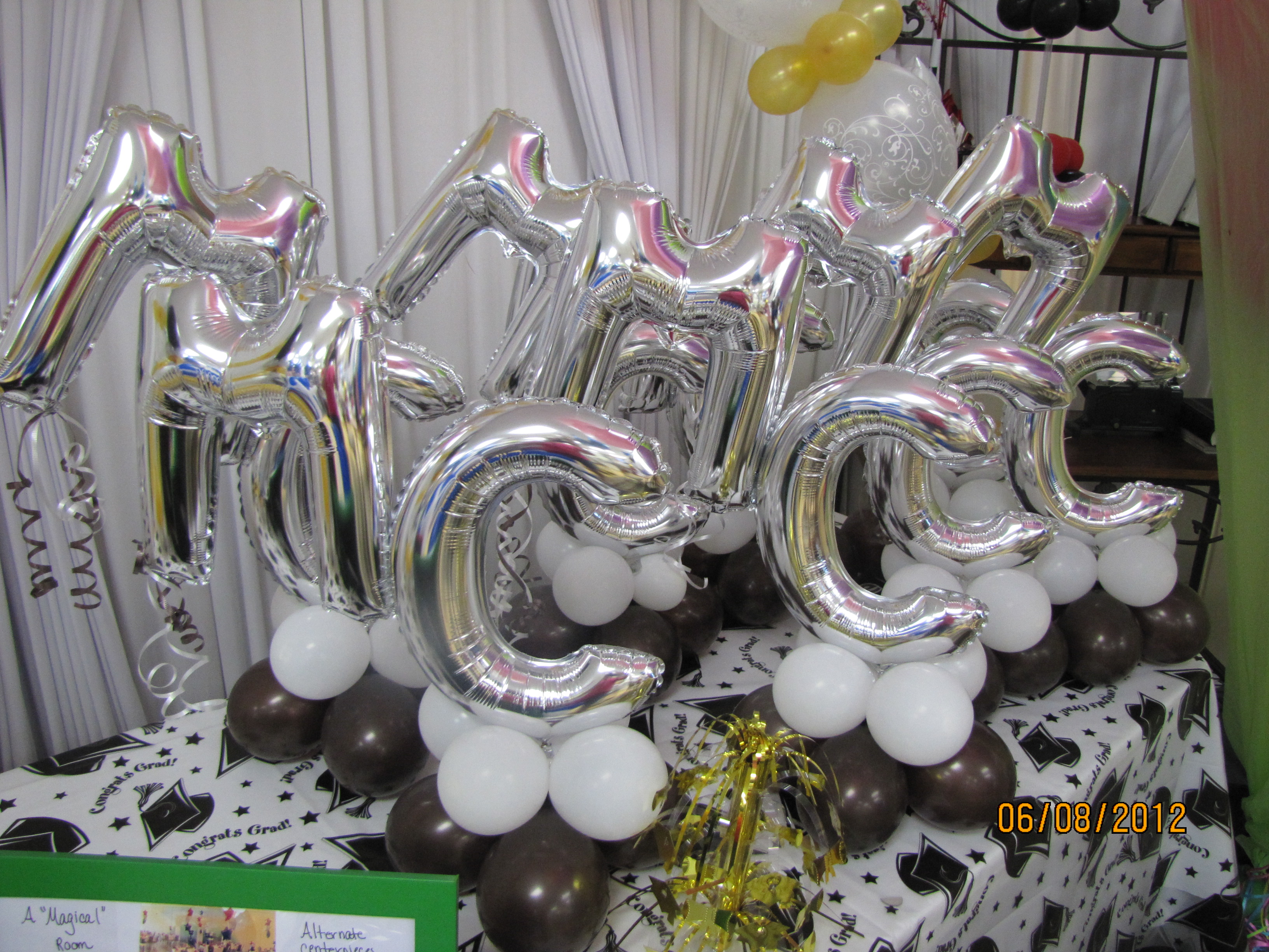 Graduation Season Balloon Decor | amytheballoonlady