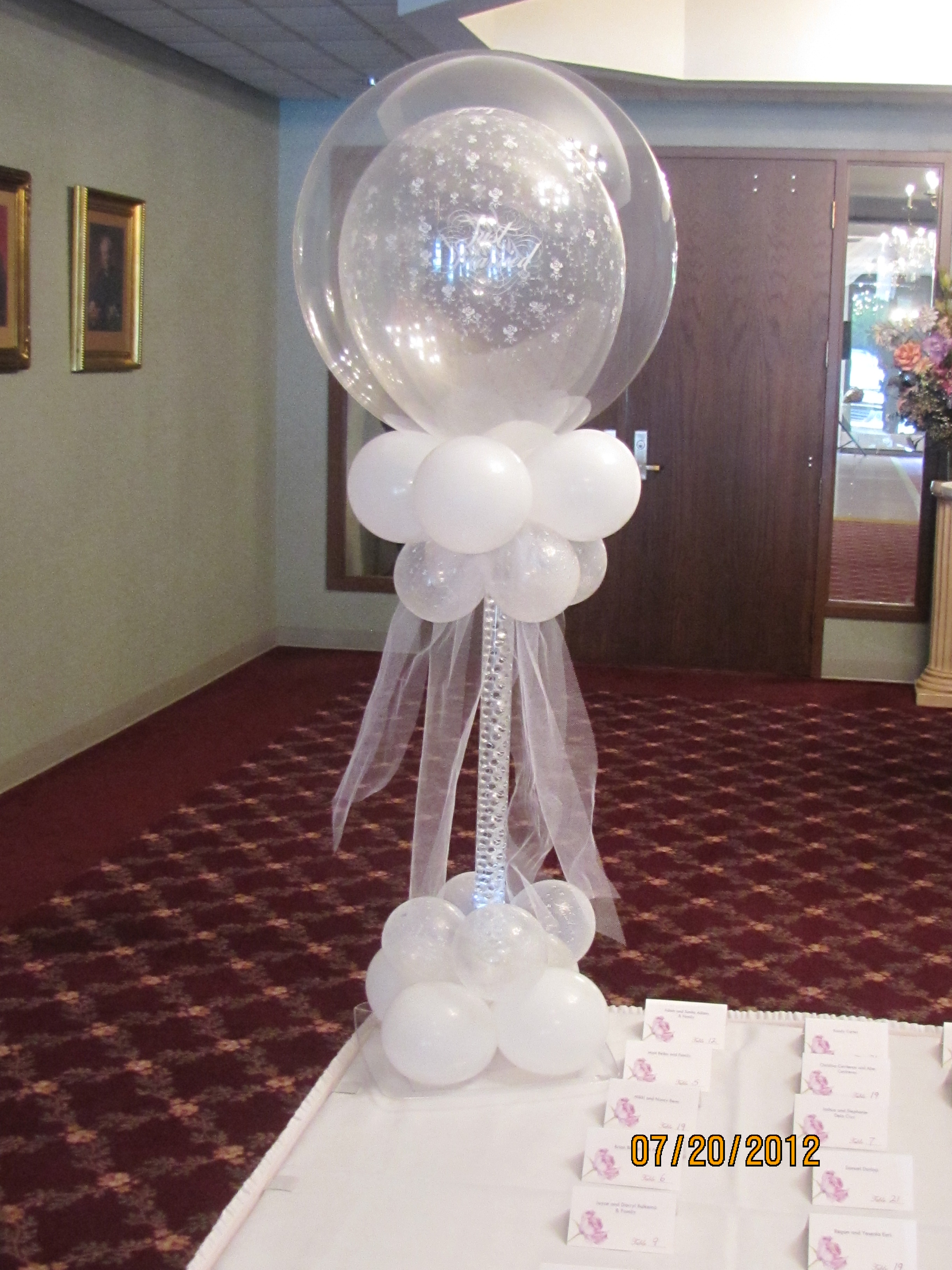 Wedding balloons amytheballoonlady for Balloon decoration for weddings