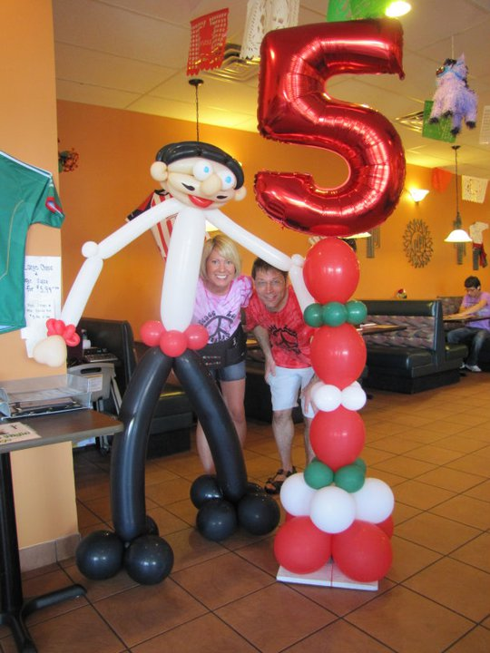 Bringing excitement to local businesses amytheballoonlady