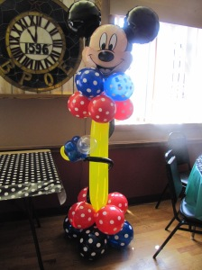 Mickey Mouse Balloon Decor